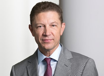 Pierre Lentz, Partner